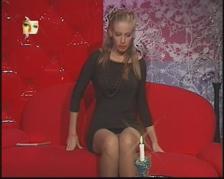 bryunetka-vsya-v-sperme-video